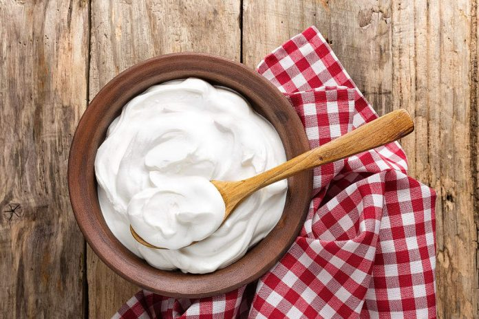 can i eat sour cream while pregnant