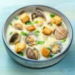 can pregnant women have clam chowder