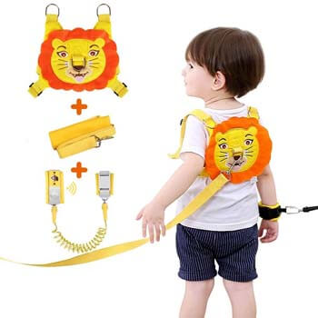9. Lehoo Castle Toddler Leash for Walking, Safety Harness with Induction Lock for Kids