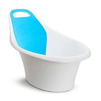 3. Munchkin Sit and Soak Baby Bath Tub, 0-12 Months, White